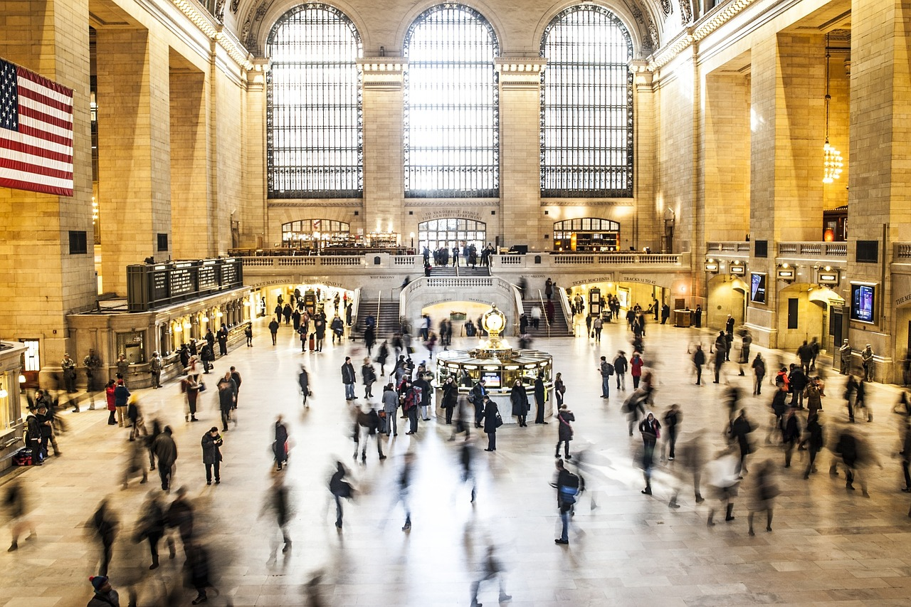 Longer commutes are making workers feel lonelier than ever