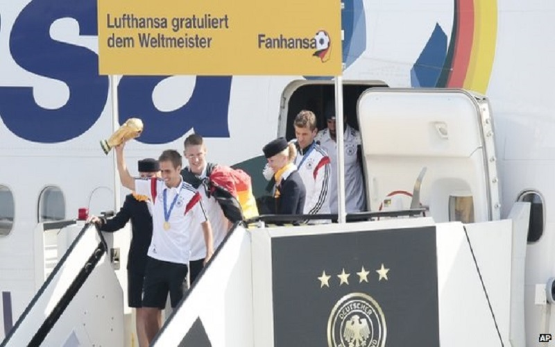 World Cup Champion Germany Welcomed Home Like Heros