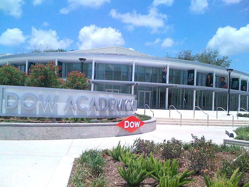 Dow-DuPont Merger Delayed Due to FMC Deal