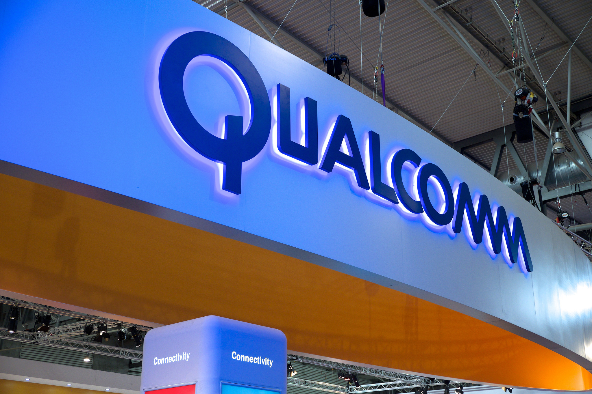 Continued Apple-Qualcomm Legal Battle Leads to iPhone Ban Request