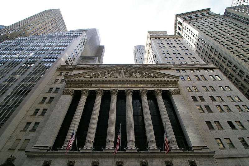 US Stock Market Reacts to Political Gridlock, Quarter Two Earnings Reports