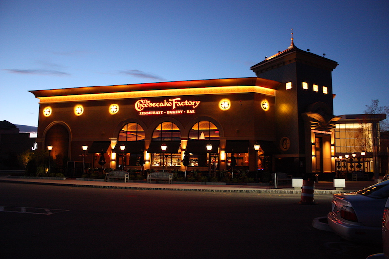 "Customer sues Cheesecake Factory over ""suggested gratuity"" figures"