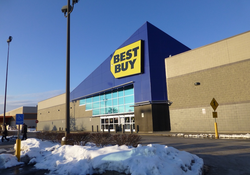 Best Buy shares plummet despite strong earnings report