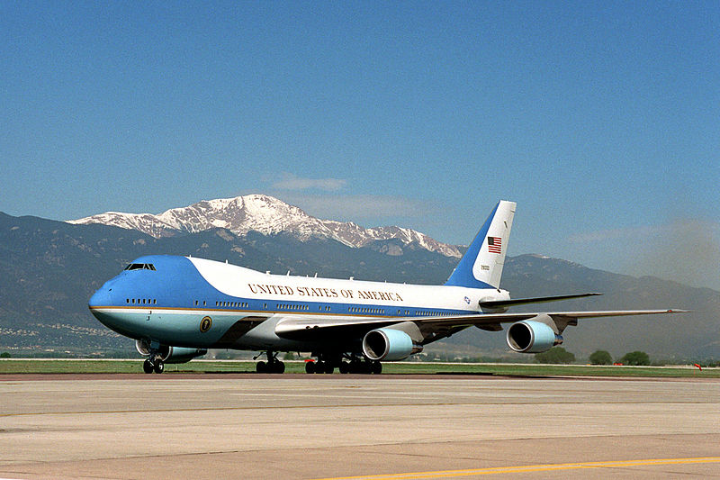 Boeing wins $600 million deal to design the next Air Force One